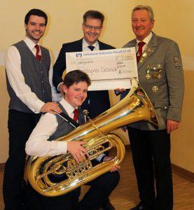 Volksbank Delbrück-Hövelhof unterstützt Musikausbildung der Stadtkapelle